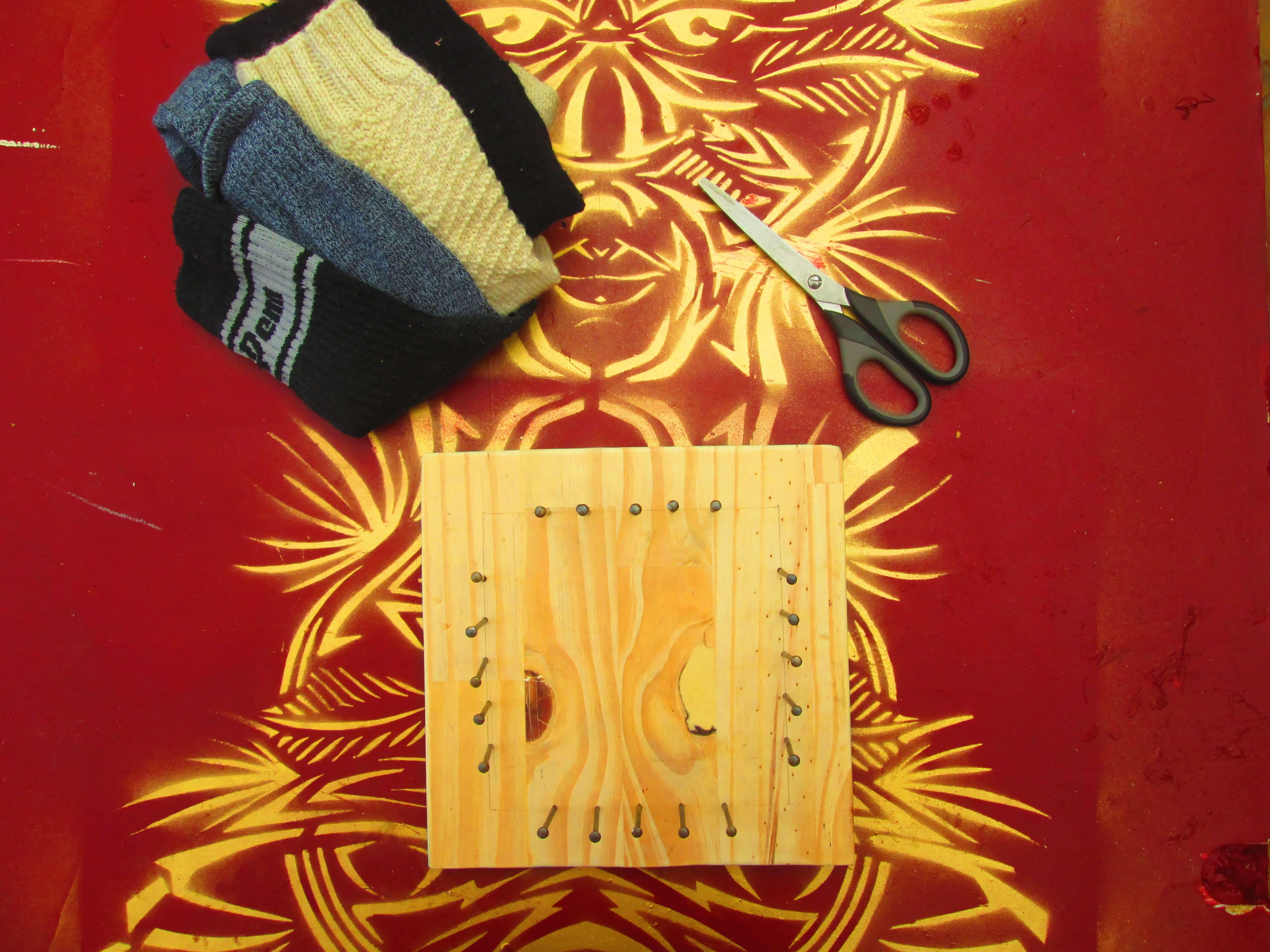 Matériel pour réaliser un métier à tisser pour tawashi