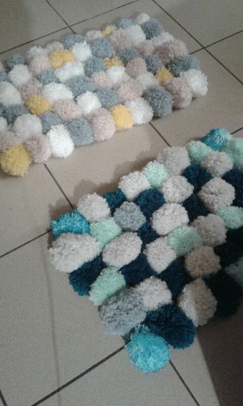 tapis pompons rectangle