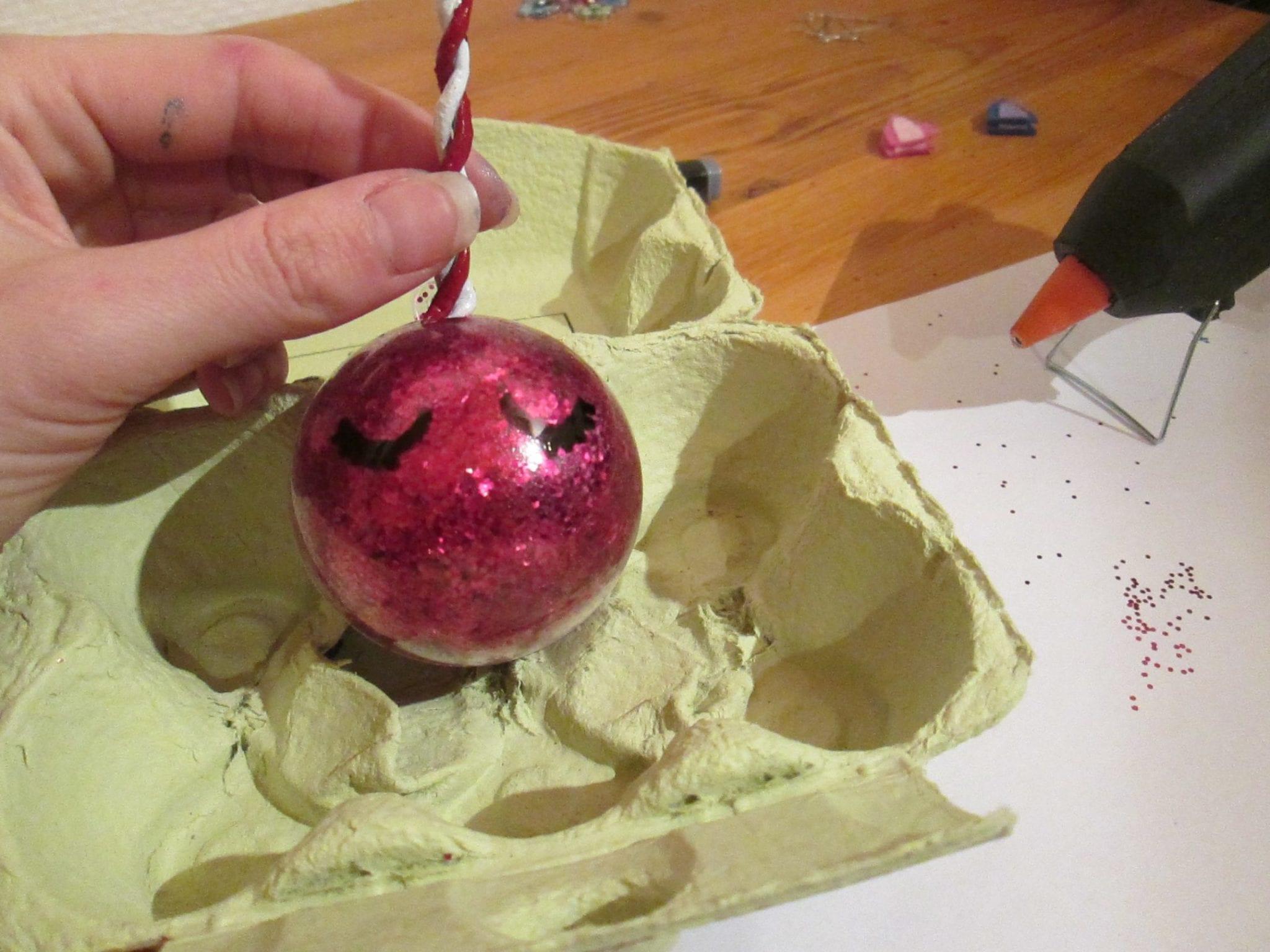 Boule de Noël Licorne - boite à oeuf