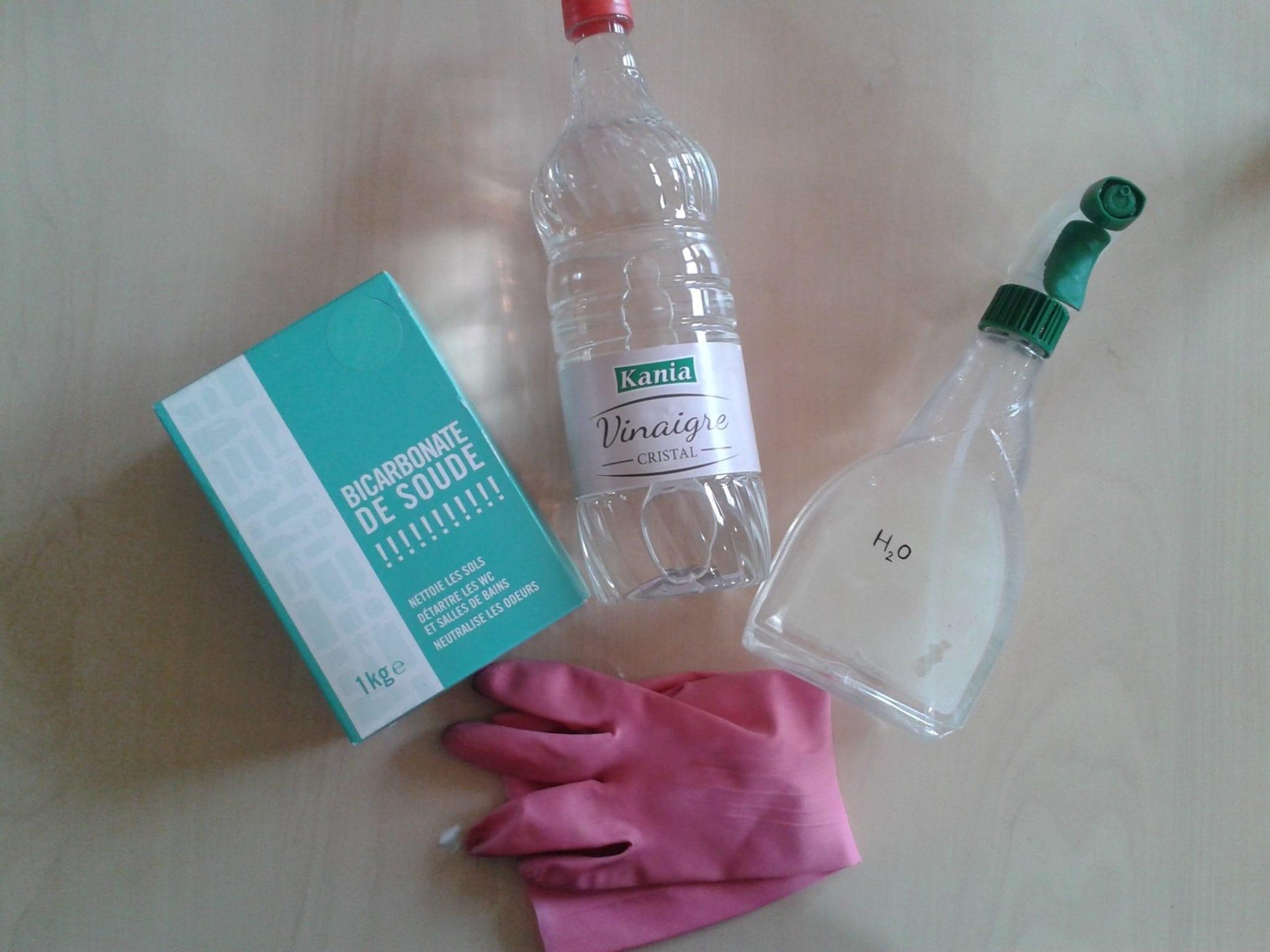 Nettoyer four bicarbonate de soude - matériel