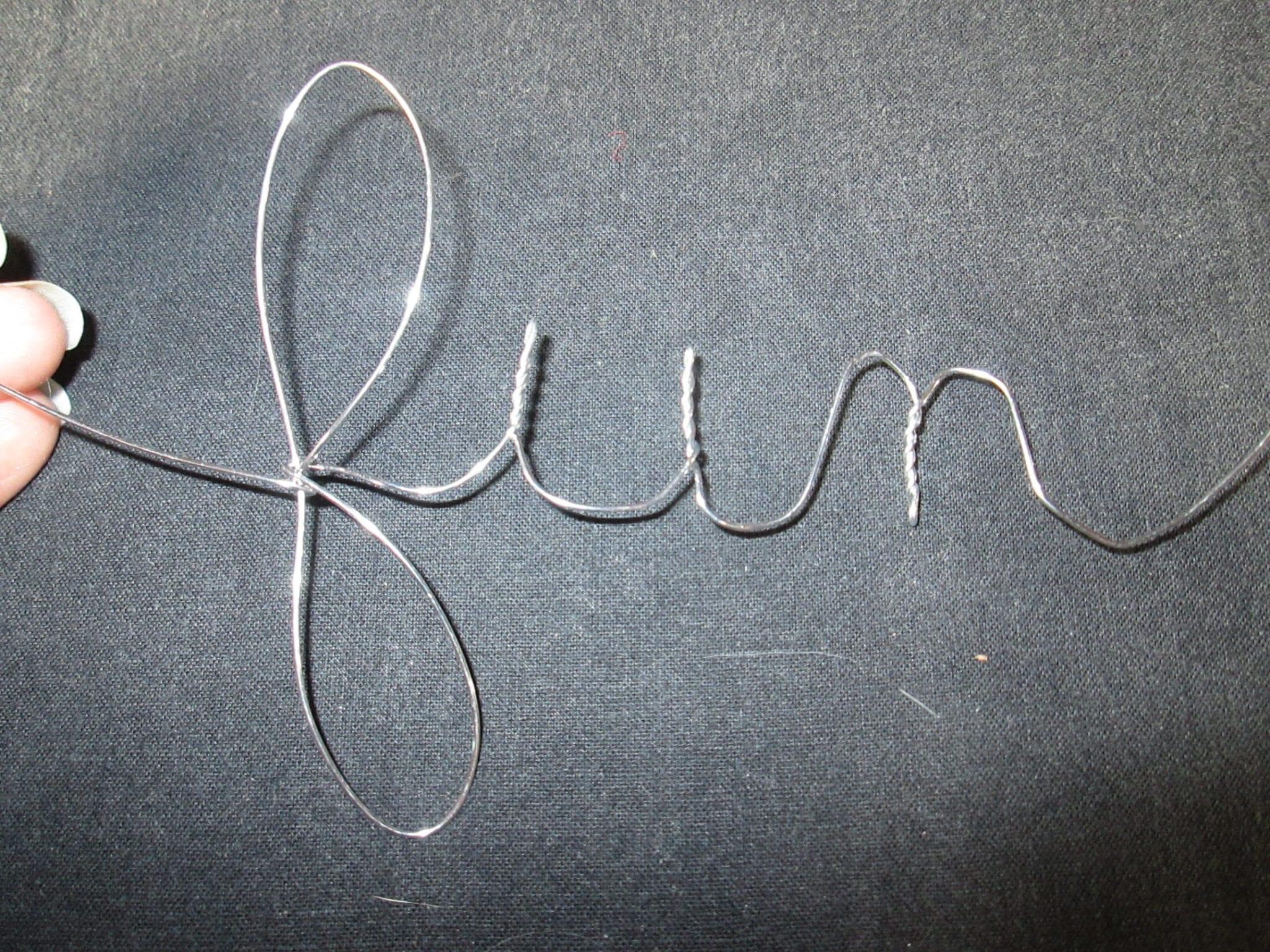 ampoule tricotin - sculpture 3