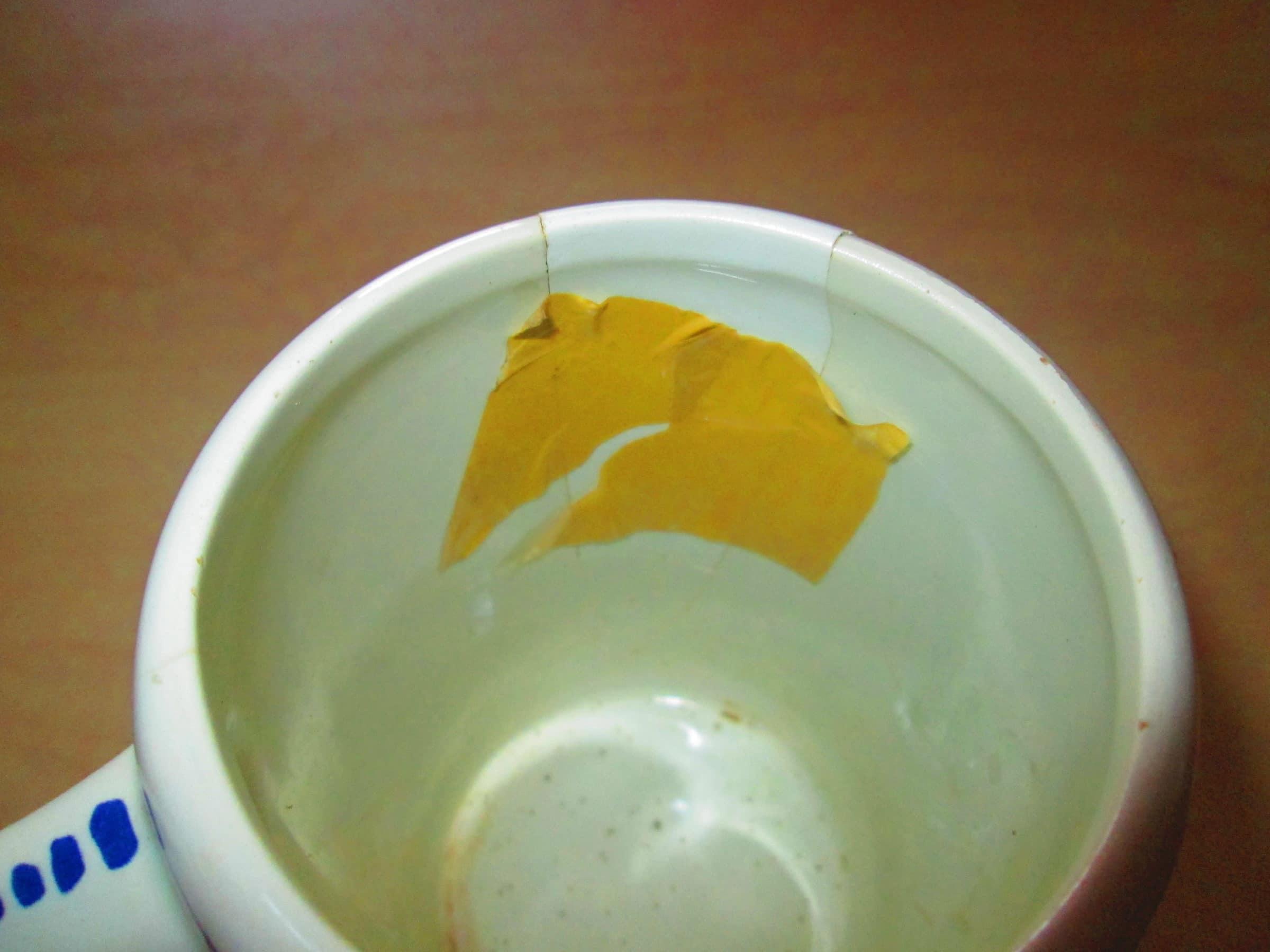 réparer de la porcelaine avec lait - scotch